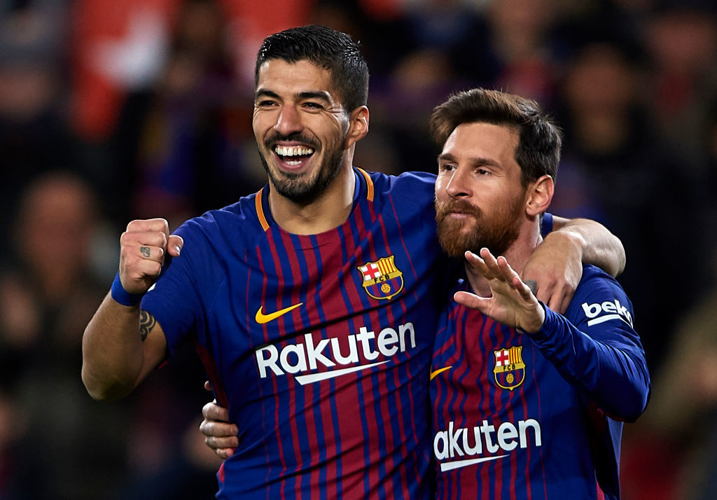 BARCELONA, SPAIN - DECEMBER 17:  Luis Suarez of Barcelona celebrates scoring his team's third goal with his teammate Lionel Messi (R) during the La Liga match between Barcelona and Deportivo de La Coruna at Camp Nou on December 17, 2017 in Barcelona, Spain.  (Photo by Manuel Queimadelos Alonso/Getty Images)