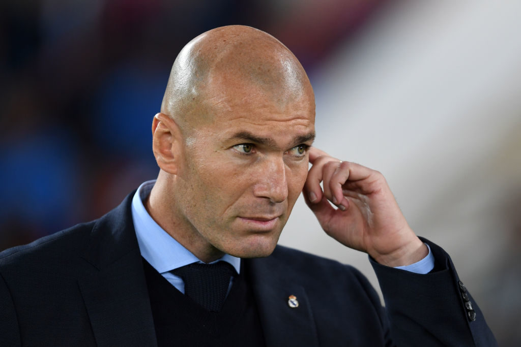 ABU DHABI, UNITED ARAB EMIRATES - DECEMBER 16:  Head coach Zinedine Zidane  of Real Madrid looks on prior to the FIFA Club World Cup UAE 2017 Final between Gremio and Real Madrid at the Zayed Sports City Stadium on December 16, 2017 in Abu Dhabi, United Arab Emirates.  (Photo by Etsuo Hara/Getty Images)