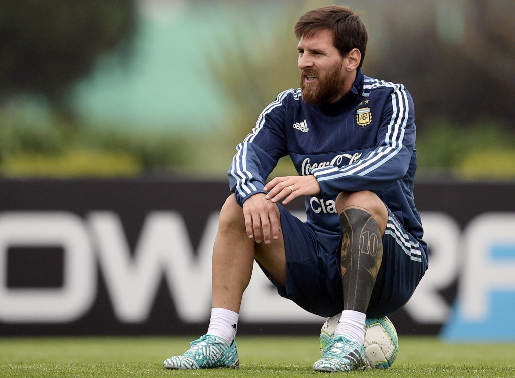 Argentina's forward Lionel Messi attends a training session in Ezeiza, Buenos Aires, on August 29, 2017 ahead of their FIFA World Cup qualifier football match against Uruguay. / AFP PHOTO / Juan MABROMATA