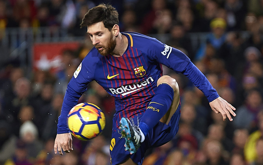 BARCELONA, SPAIN - JANUARY 28:  Lionel Messi of Barcelona controls the ball during the La Liga match between Barcelona and Deportivo Alaves at Camp Nou on January 28, 2018 in Barcelona, Spain.  (Photo by Quality Sport Images/Getty Images)