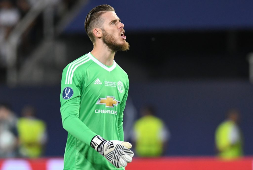 Manchester United's Spanish goalkeeper David de Gea talks during the UEFA Super Cup football match between Real Madrid and Manchester United on August 8, 2017, at the Philip II Arena in Skopje. / AFP PHOTO / Robert ATANASOVSKI