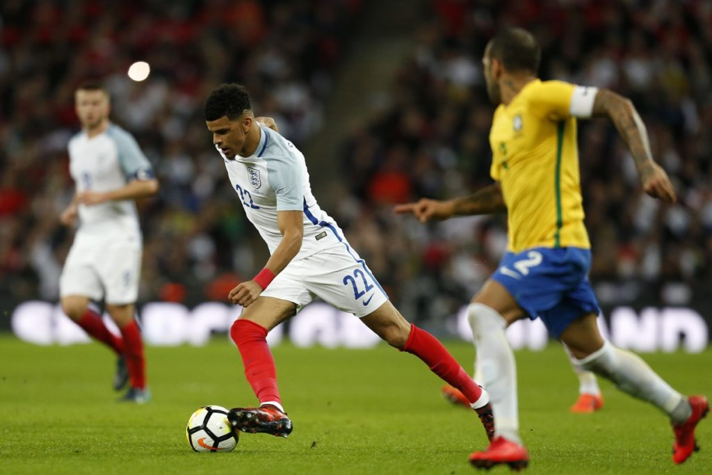 England's striker Dominic Solanke runs with the ball during the international friendly football match between England and Brazil at Wembley Stadium in London on November 14, 2017. / AFP PHOTO / Ian KINGTON / NOT FOR MARKETING OR ADVERTISING USE / RESTRICTED TO EDITORIAL USE