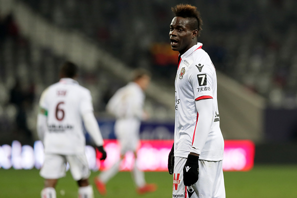 TOULOUSE, FRANCE - NOVEMBER 29:  Mario Balotelli of Nice looks on during the Ligue 1 match between Toulouse and OGC Nice   at Stadium Municipal on November 29, 2017 in Toulouse.  (Photo by Romain Perrocheau/Getty Images)