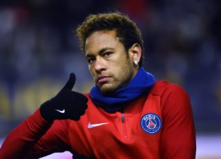Paris Saint-Germain's Brazilian forward Neymar gestures before the French League Cup quarter-final football match between Amiens (ASC) and Paris Saint-Germain (PSG) at the Licorne Stadium in Amiens, northern France, on January 10, 2018. / AFP PHOTO / FRANCOIS LO PRESTI