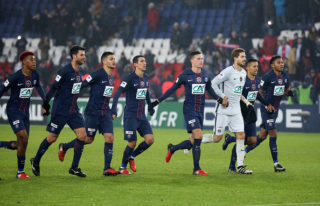 PARIS, FRANCE - JANUARY 7: Presnel Kimpembe, Thiago Motta, Hatem Ben Arfa, Angel Di Maria, Julian Draxler, Kevin Trapp, Marquinhos, Christopher Nkunku of PSG celebrate the victory following the French Cup match between Paris Saint-Germain and SC Bastia at Parc des Princes on January 7, 2017 in Paris, France. (Photo by Jean Catuffe/Getty Images,)