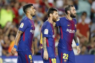 (L-R) Luis Suarez of FC Barcelona, Lionel Messi of FC Barcelona, Aleix Vidal of FC Barcelona during the Trofeu Joan Gamper match between FC Barcelona and Chapecoense on August 7, 2017 at the Camp Nou stadium in Barcelona, Spain.(Photo by VI Images via Getty Images)