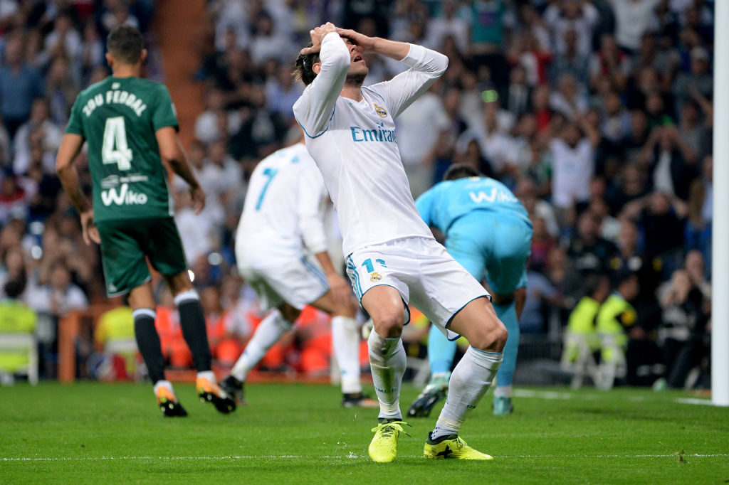 MADRID, SPAIN - SEPTEMBER 20:  Gareth Bale, #11 of Real Madrid during the La Liga match between Real Madrid v Real Betis at Santiago Bernabeu on September 20, 2017 in Madrid, Spain. (Photo by Sonia Canada/Getty Images)