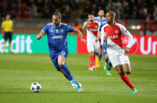 MONACO, MONACO - MAY 3: Gonzalo Higuain of Juventus, Fabio Henrique Tavares aka Fabinho of Monaco in action during the UEFA Champions League semi final first leg match between AS Monaco and Juventus Turin at Stade Louis II on May 3, 2017 in Monaco, Monaco. (Photo by Jean Catuffe/Getty Images)