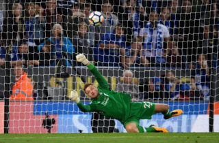 LEICESTER, ENGLAND - SEPTEMBER 23: Simon Mignolet of Liverpool saves Jamie Vardy of Leicester City (not pictured) penalty during the Premier League match between Leicester City and Liverpool at The King Power Stadium on September 23, 2017 in Leicester, England.  (Photo by Laurence Griffiths/Getty Images)