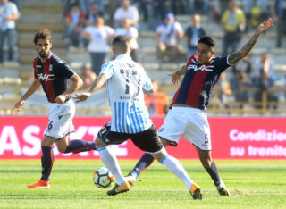 BOLOGNA, ITALY - OCTOBER 15: Erik Pulgar of Bologna FC in action during the Serie A match between Bologna FC and Spal at Stadio Renato Dall'Ara on October 15, 2017 in Bologna, Italy.  (Photo by Mario Carlini / Iguana Press/Getty Images)