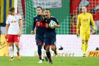 LEIPZIG, GERMANY - OCTOBER 25:  Thiago Alcantara of Bayern Muenchen celebrates scoring the first  team goal during the DFB Cup round 2 match between RB Leipzig and Bayern Muenchen at Red Bull Arena on October 25, 2017 in Leipzig, Germany.  (Photo by Alexander Hassenstein/Bongarts/Getty Images)