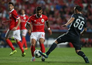 LISBON, PORTUGAL - SEPTEMBER 12: SL Benfica forward Gabriel Barbosa from Brazil in action during the UEFA Champions League match between SL Benfica and CSKA Moskva at Estadio da Luz on September 12, 2017 in Lisbon, Portugal.  (Photo by Gualter Fatia/Getty Images)