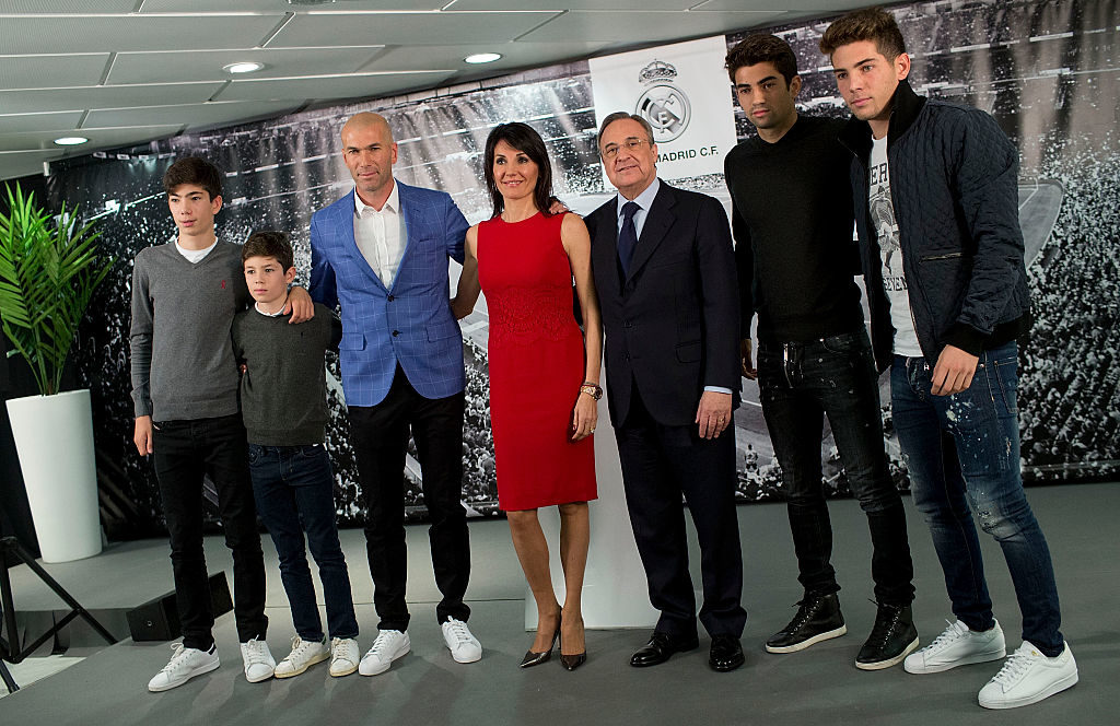 MADRID, SPAIN - JANUARY 04:  Real Madrid CF president Florentino Perez poses for a picture with Zinedine Zidane as new Real Madrid head coach sourrounded by his family, wife Veronique Zidane and sons (L-R) Theo Zidane, Elyaz Zidane Fernandez, Enzo Fernandez and Luca Zinedine Zidane Fernandez  at Santiago Bernabeu Stadium on January 4, 2016 in Madrid, Spain.  (Photo by Gonzalo Arroyo Moreno/Getty Images)