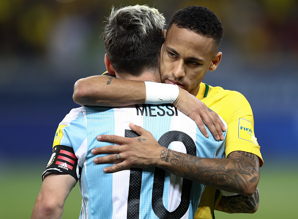 BELO HORIZONTE, BRAZIL - NOVEMBER 10: Neymar (R) of Brazil greets Lionel Messi of Argentina during a match between Brazil and Argentina as part of 2018 FIFA World Cup Russia Qualifier at Mineirao stadium on November 10, 2016 in Belo Horizonte, Brazil. (Photo by Buda Mendes/Getty Images)