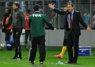 Lithuania's head coach Csaba Laszlo (R) gestures during the Fifa World Cup 2014 qualifier football match Bosnia and Herzegovina vs Lithuania on 16 October, 2012 in Zenica. AFP PHOTO ELVIS BARUKCIC / AFP PHOTO / ELVIS BARUKCIC