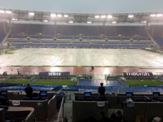 ROME, ROMA - SEPTEMBER 10:  The field protected by the tarpaulin for the strong rain  before the Serie A match between SS Lazio and AC Milan at Stadio Olimpico on September 10, 2017 in Rome, Italy.  (Photo by Marco Rosi/Getty Images)