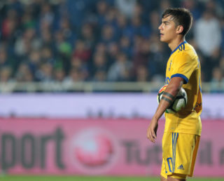 BERGAMO, ITALY - OCTOBER 01:  Paulo Dybala of Juventus FC looks on during the Serie A match between Atalanta BC and Juventus at Stadio Atleti Azzurri d'Italia on October 1, 2017 in Bergamo, Italy.  (Photo by Emilio Andreoli/Getty Images)