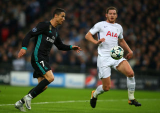 LONDON, ENGLAND - NOVEMBER 01: Cristiano Ronaldo of Real Madrid and Jan Vertonghen of Tottenham Hotspur during the UEFA Champions League group H match between Tottenham Hotspur and Real Madrid at Wembley Stadium on November 1, 2017 in London, United Kingdom. (Photo by Catherine Ivill - AMA/Getty Images)