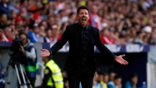 MADRID, SPAIN - OCTOBER 28: Head coach Diego Simeone of Club Atletico de Madrid gestures during the La Liga match between Atletico Madrid and Villarreal at Estadio Wanda Metropolitano on October 28, 2017 in Madrid, Spain. (Photo by TF-Images/TF-Images via Getty Images)