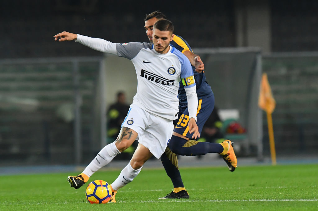 VERONA, ITALY - OCTOBER 30:  Mauro Emanuel Icardi of FC Internazionale in action during the Serie A match between Hellas Verona FC and FC Internazionale at Stadio Marc'Antonio Bentegodi on October 30, 2017 in Verona, Italy.  (Photo by Alessandro Sabattini/Getty Images)