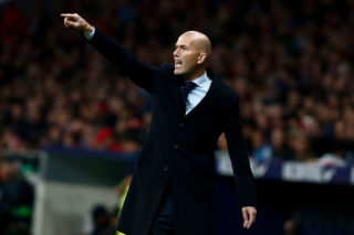 MADRID, SPAIN - NOVEMBER 18:  Head coach Zinedine Zidane of Real Madrid CF gives instructions during the La Liga match between Club Atletico Madrid and Real Madrid CF at Estadio Wanda Metropolitano  on November 18, 2017 in Madrid, Spain.  (Photo by Gonzalo Arroyo Moreno/Getty Images)