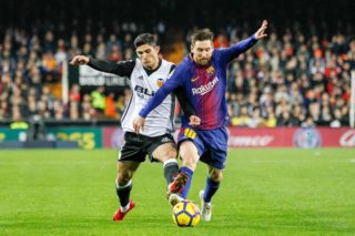 Lionel Messi of FC Barcelona and Goncalo Guedes of Valencia during the Spanish championship Liga football match between Valencia CF and FC Barcelona on November 26, 2017 at Mestalla Stadium in Valencia, Spain - Photo Oscar J Barroso / Spain DPPI / DPPI