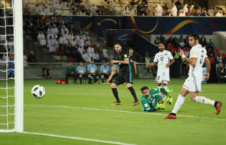 ABU DHABI, UNITED ARAB EMIRATES - DECEMBER 13:  Karim Benzema of Real Madrid hits the post during the FIFA Club World Cup UAE 2017 semi-final match between Al Jazira and Real Madrid CF at Zayed Sports City Stadium on December 13, 2017 in Abu Dhabi, United Arab Emirates. (Photo by Matthew Ashton - AMA/Getty Images)