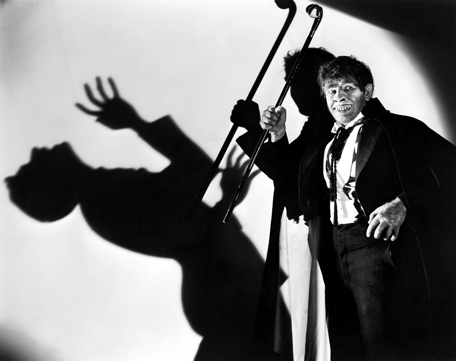 Dr.-Jekyll-and-Mr.-Hyde-Hyde-kills-March-shadow